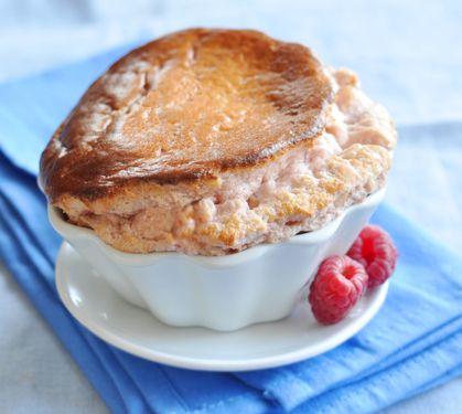 Soufflé chaud à la #framboise ! #Souffle #Recette #Dessert