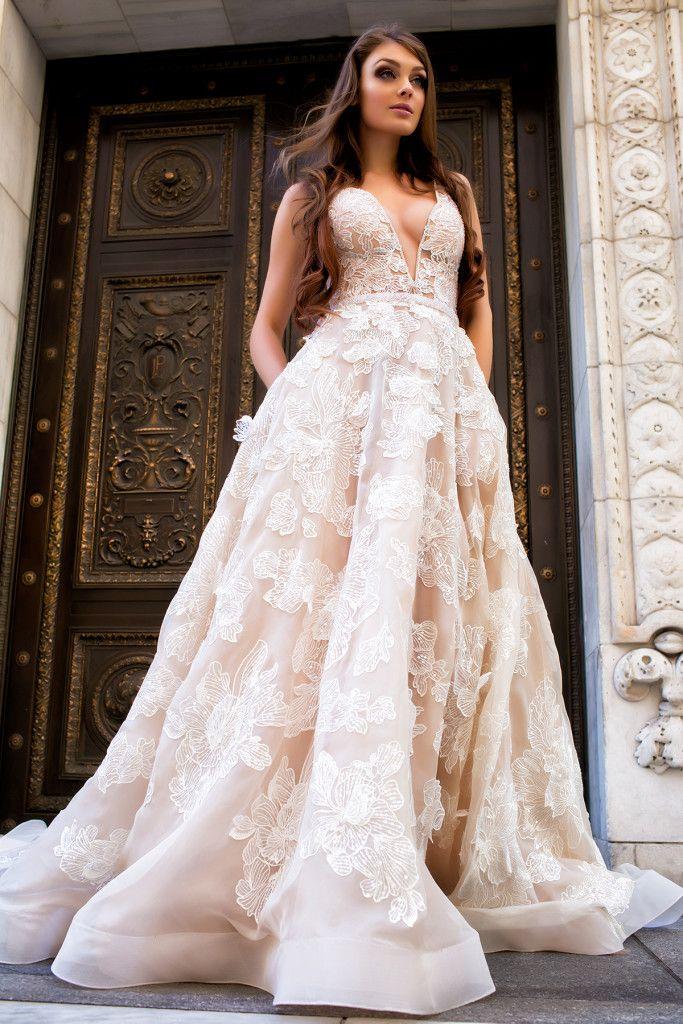 تصميمات رائعة لفساتين الزفاف 2017 من المصممة العالمية الاوكرانية