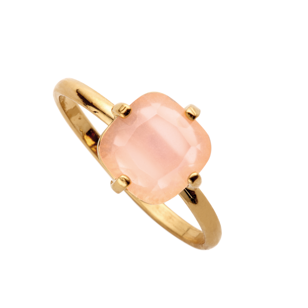e9e95e3316b5 ANILLO Anillo dorado con piedra cuadrada en rosa palo | BISUTERÍA ...
