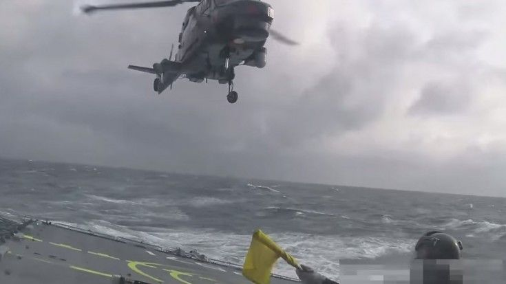 Insane Helicopter Landing On Ship During RAGING Sea