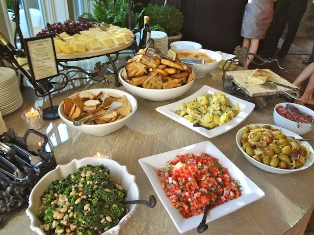 Wedding Reception Appetizer Ideas After the build-up, the ceremony, and the trip to the reception venue, your guests are most likely famished. But the dinner you're serving is still almost an hour away from being ready.