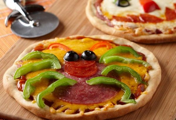 17 Best images about Strange Pizza Shapes and Flavors on Pinterest ...