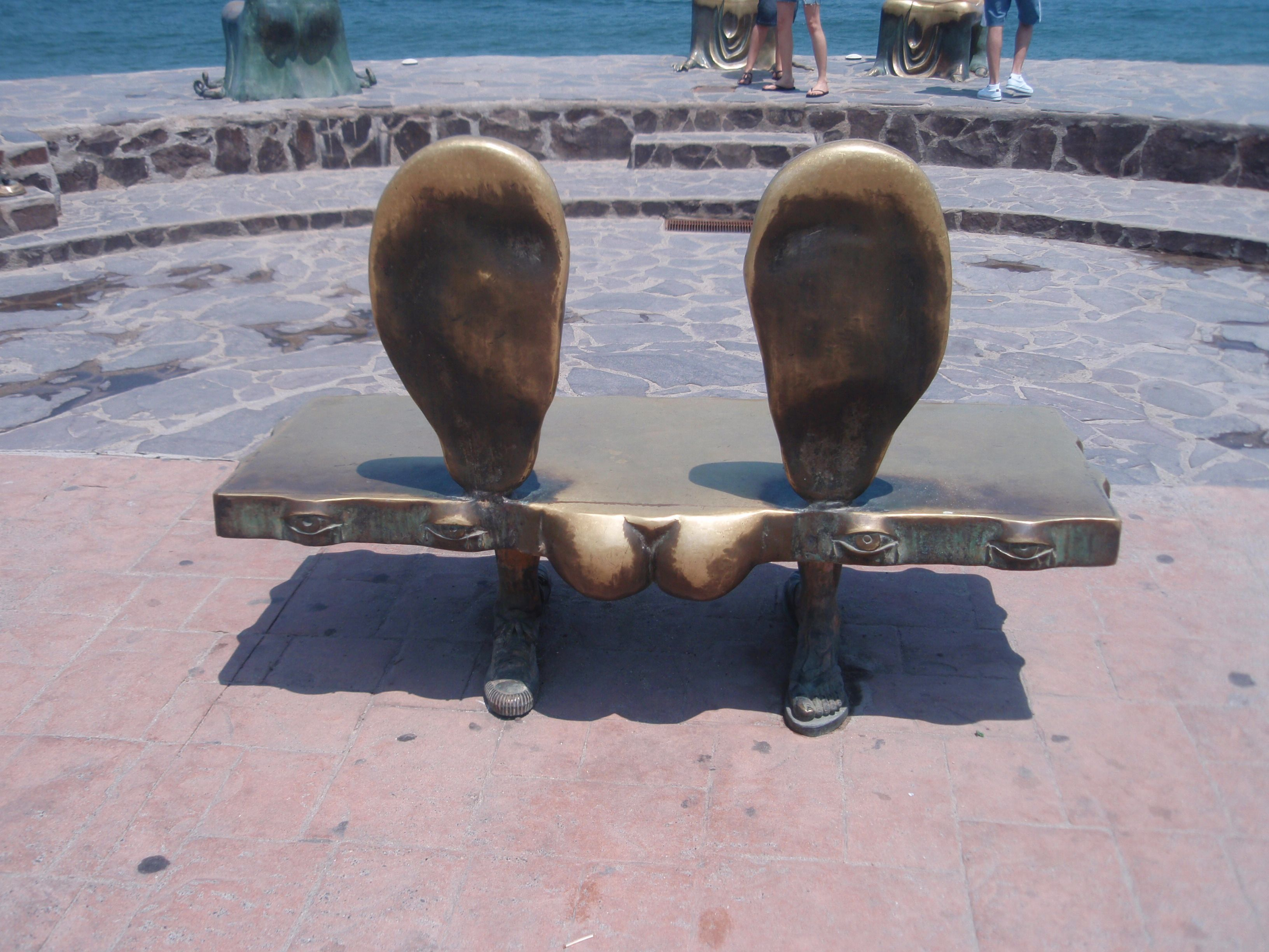 Have a seat...I'll lend you my ear! (PV, Mex)---photo by amb