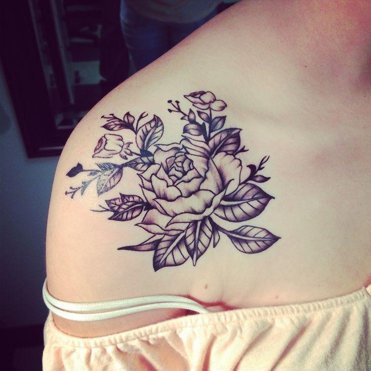 pfingstrosen dekollete tattoo dekollete pfingstrose und