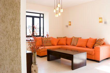 Decoraci n de interiores en tonos naranjas decoracion d for Tonos de pintura para interiores