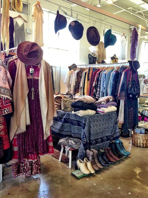 Tavin Boutique At A Current Affair Pop Up Vintage Market Blog By Tavin Vintage Store Vintage Market Shopping
