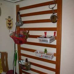 30 ideas to repurpose crib... good for craft area.