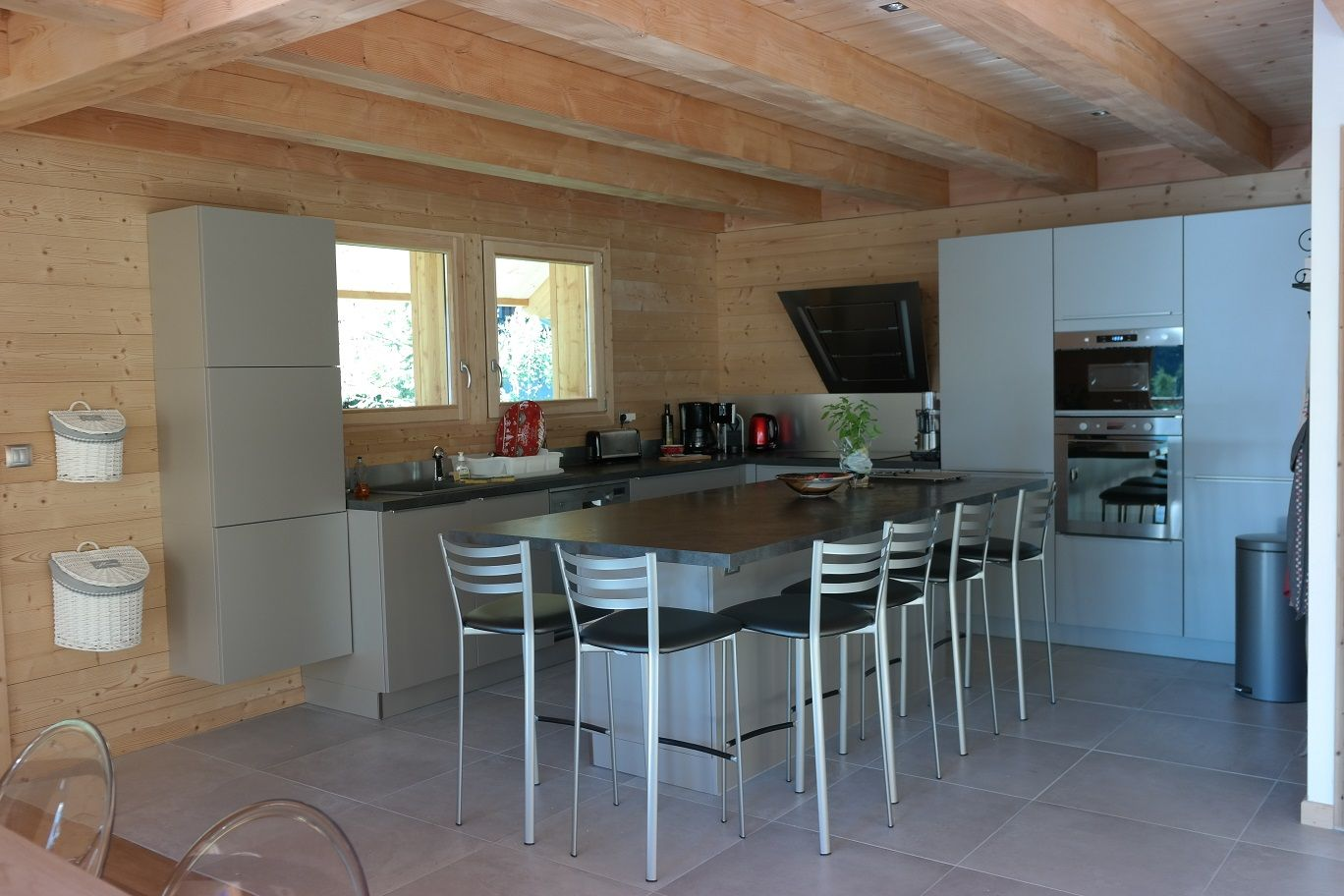 pingl par chalets lombard vasina sur photos d 39 int rieur de chalets et maisons bois lombard. Black Bedroom Furniture Sets. Home Design Ideas
