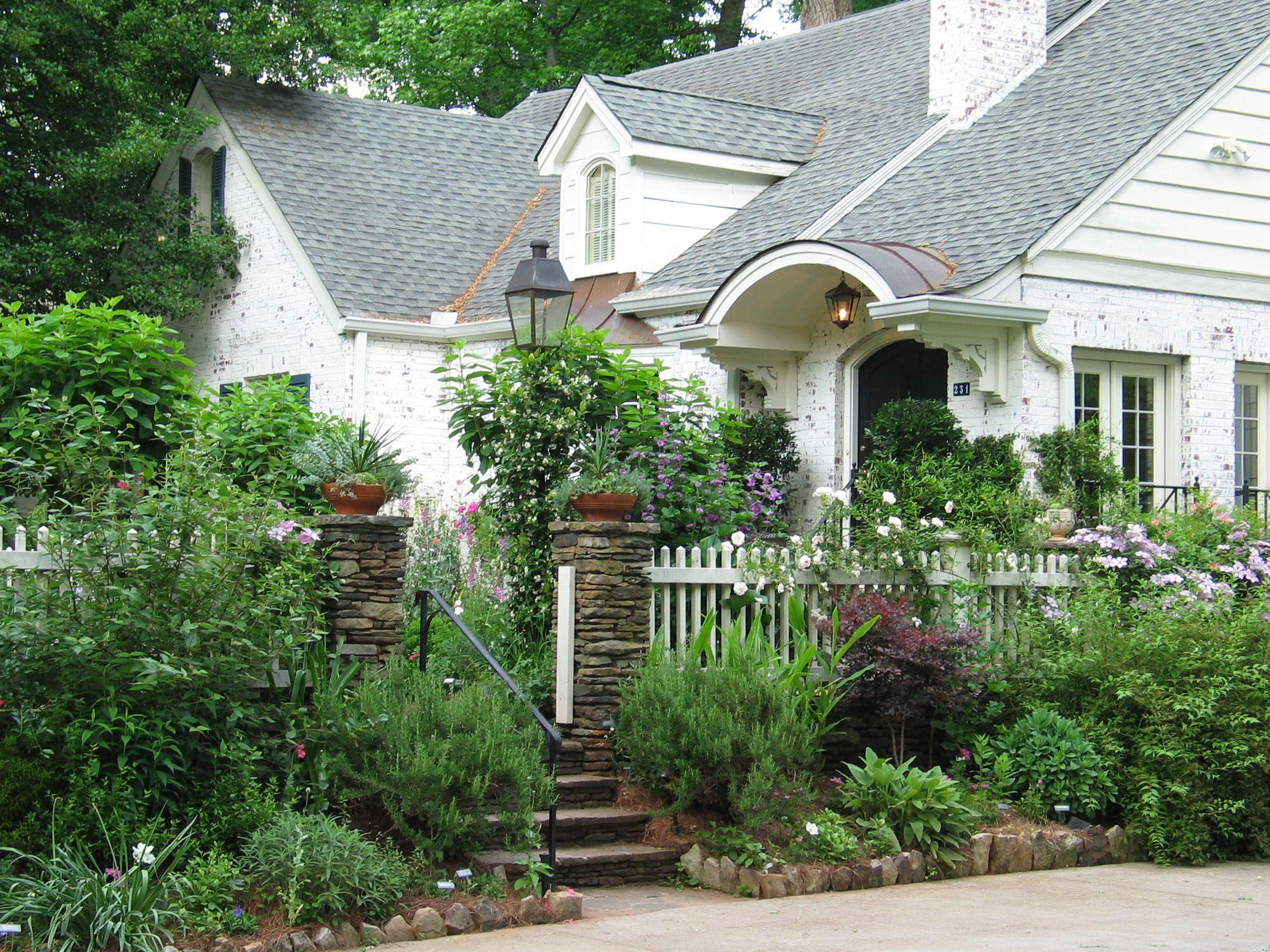 Huntington Road Residence - Harrison Design - undefined - Discover more at harrisondesign.com
