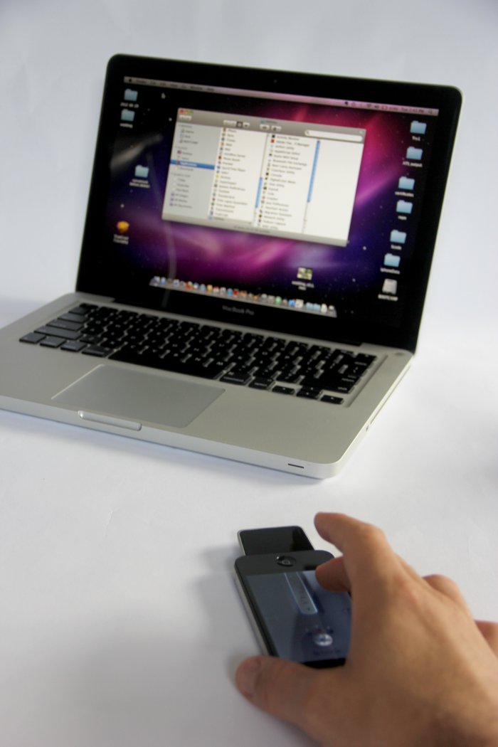iPhone AddOn Turns Your iPhone Into A Mouse & Gesture