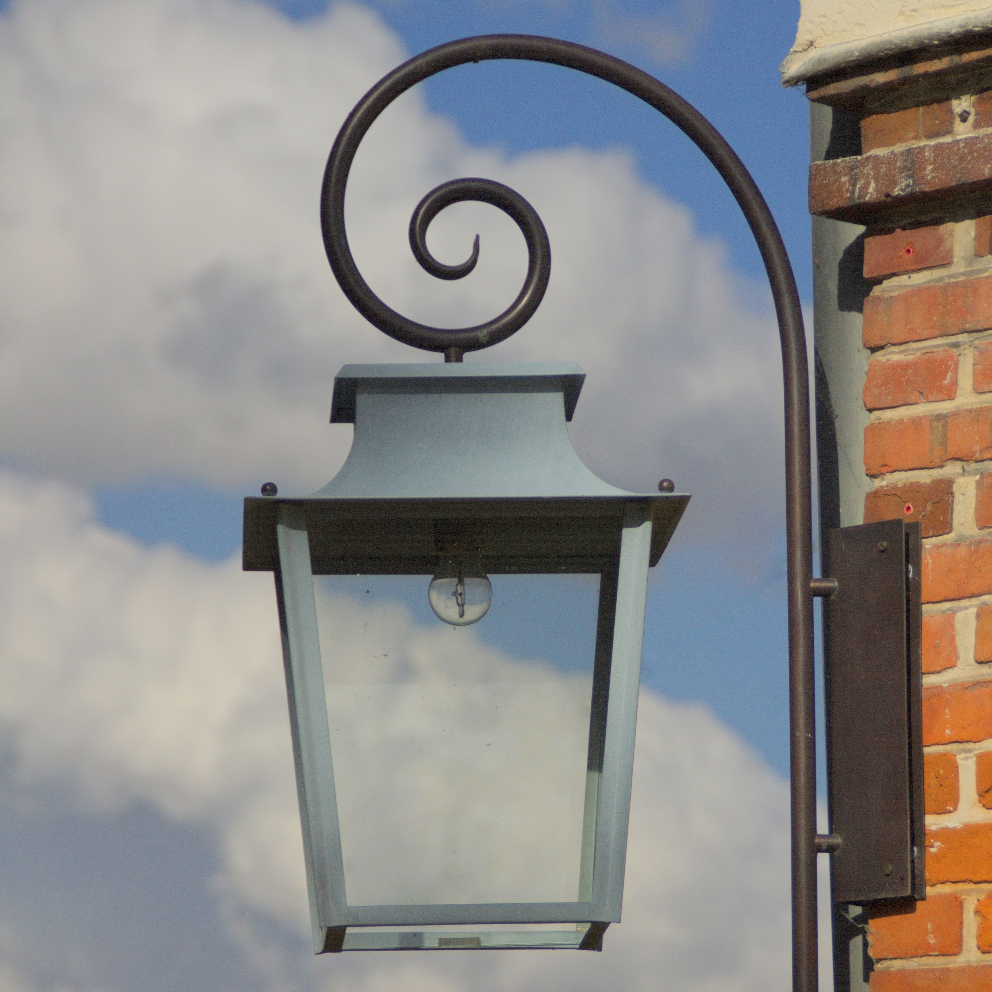 Passy °°° Lum Art outdoor lantern with a crook lanterne extérieure
