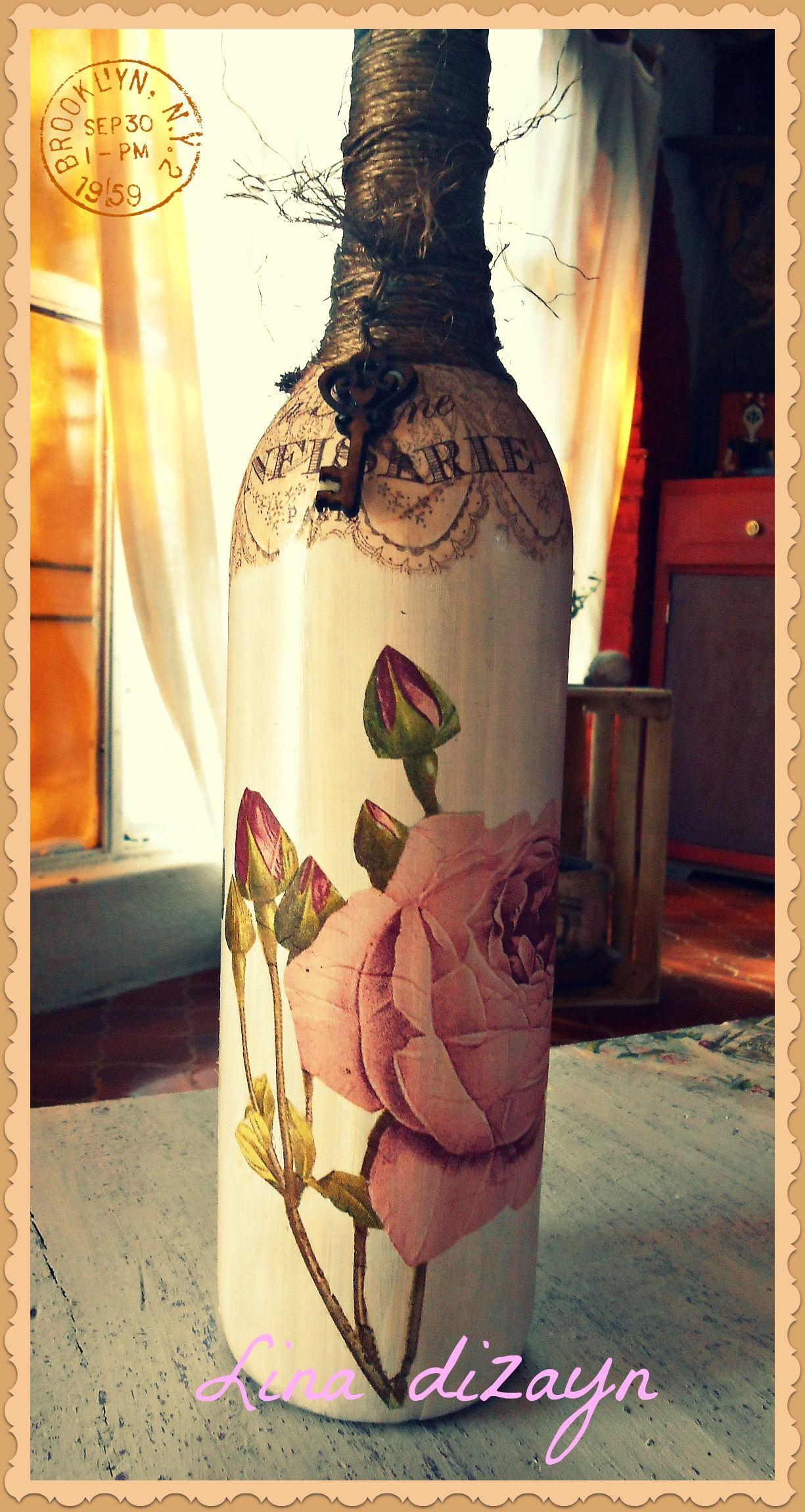 Botella de vidrio técnica decoupage motivo rosa con llave vintage, por: Lina dizayn