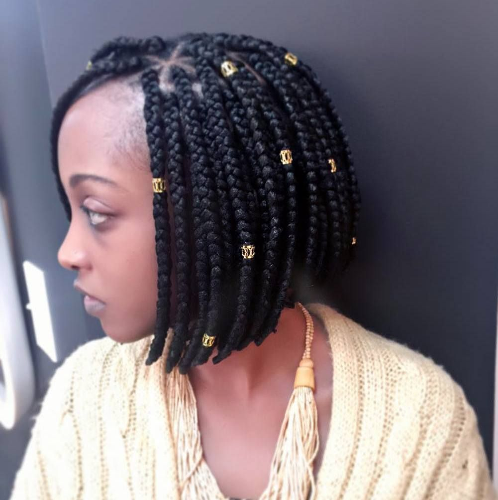 25 Timeless Short Box Braids Ideas Protecting Your Hair Stylishly With Box Braids Box Braids Hairstyles Short Box Braids Box Braids Styling