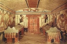 sus tumbas eran de colores vivos y resaltaba la vida diaria de ellos