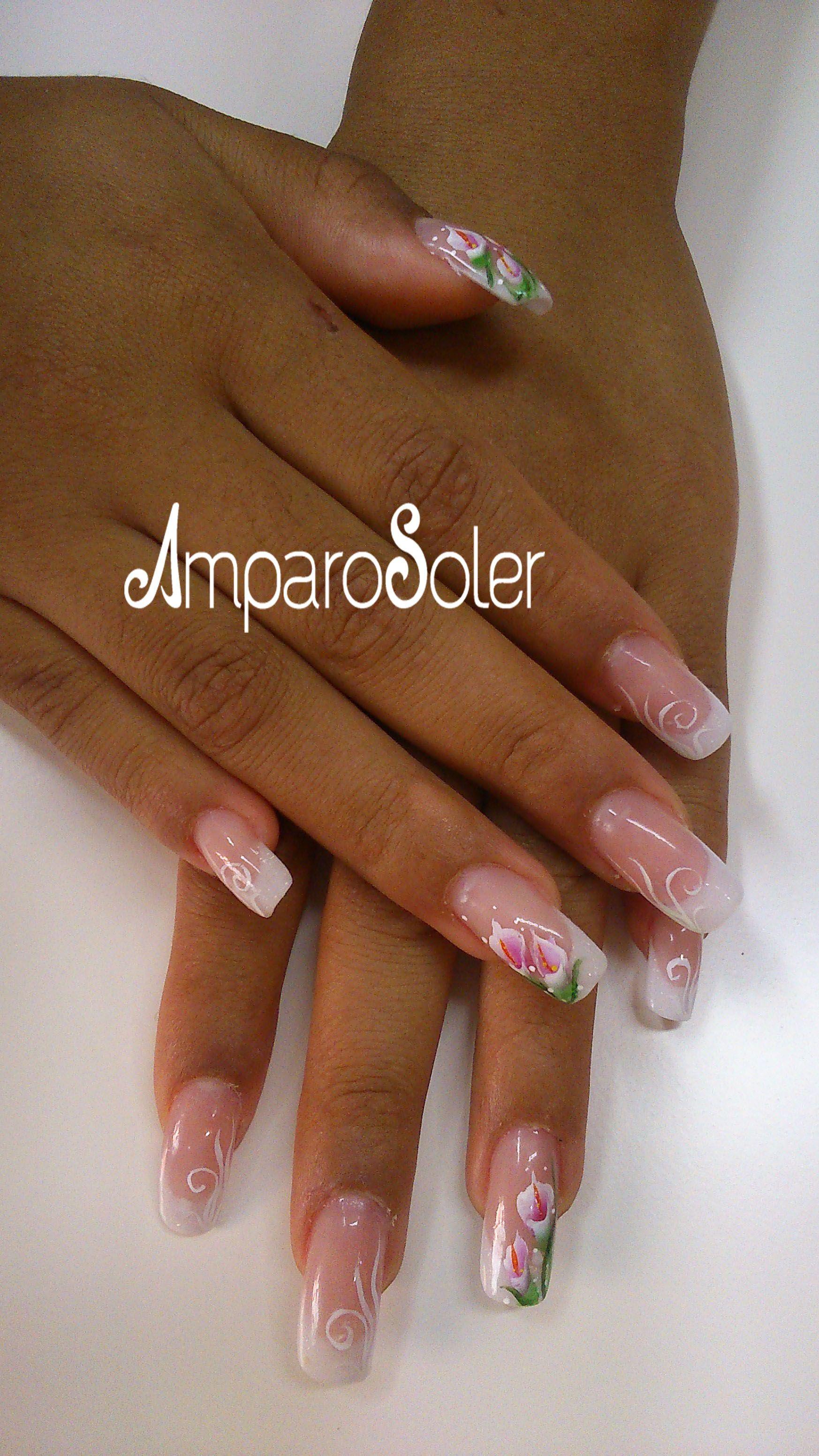 Uñas acrílicas con White HD, Vibrant Pink, A polymer clear de Ezflow con decoración