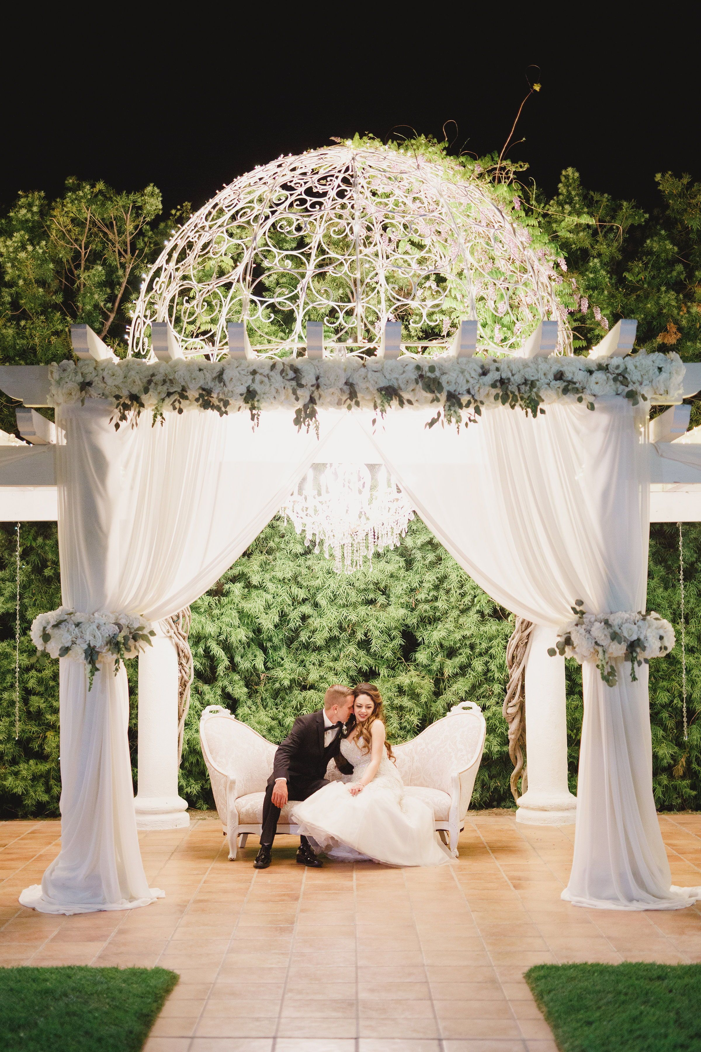 Night Time Photo At Villa De Amore In Temecula Ca One Of The Best Private Esta Southern California Wedding Venues Estate Wedding Venue Private Estate Wedding