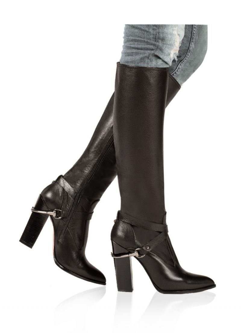 Pura Lopez kneeboots with metal spurs and beautiful chunky high heels with  triangle sole.