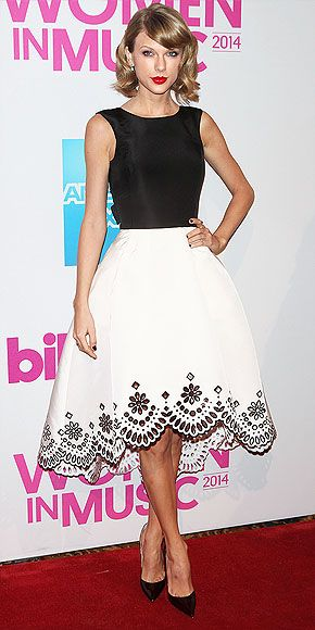 bd4c2261939b Everything in this look is standard Taylor  The black-and-white color  palette
