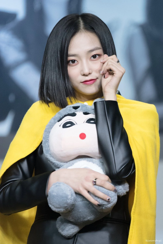 15 Female Idols Who Prove Short Hair Is Beautiful Koreaboo Clc Short Hair Styles Kpop Girls