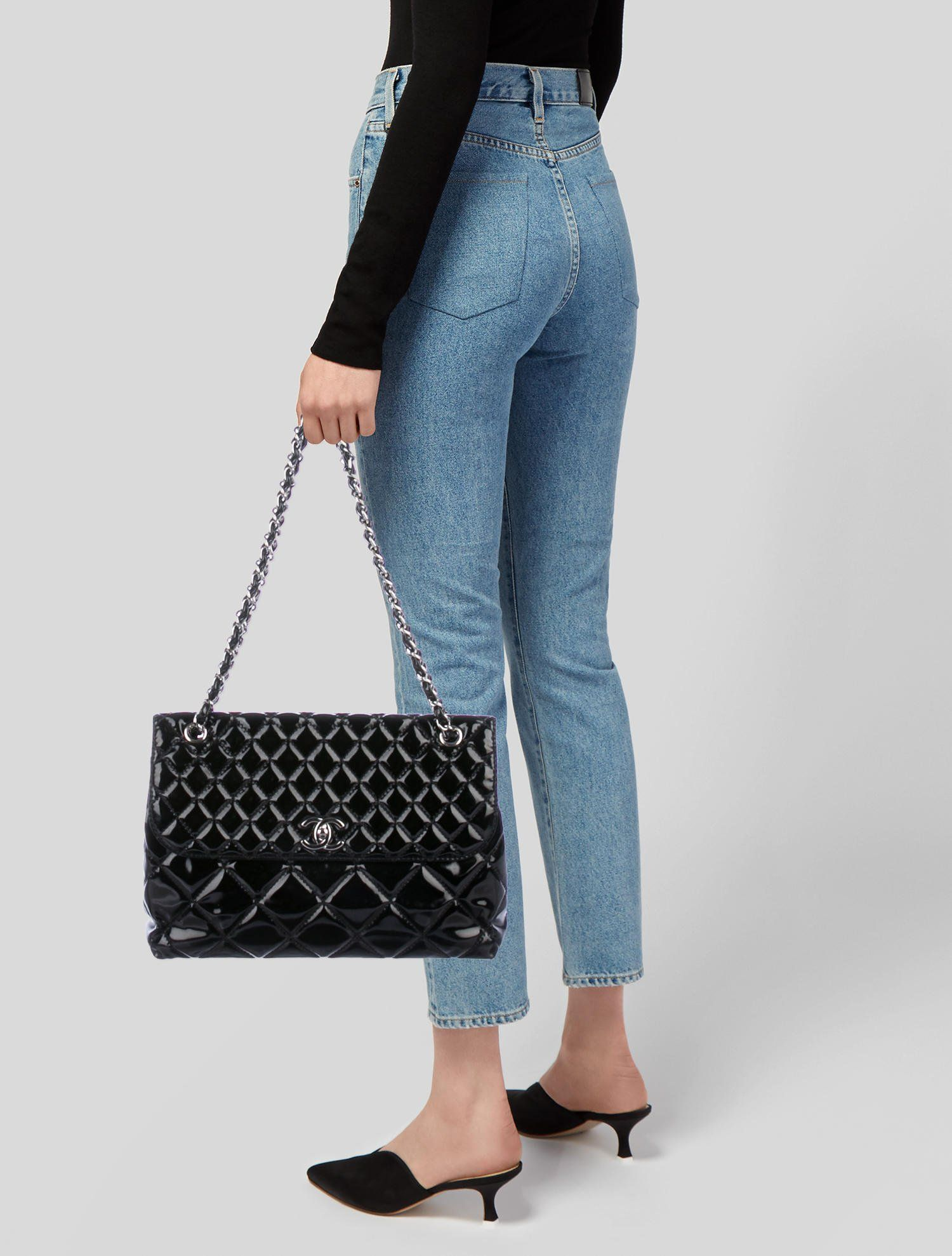 b06e4ef19d3 In the Business Flap Bag in 2019 | BAGS | Bags, Shoulder bag, Chanel ...