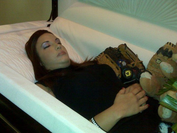Ashley in her open casket. | Cosplay | Post mortem ...