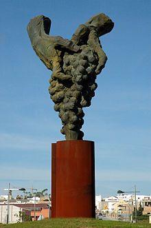 Autor: Augusto Arana. Titulo: Monumento al Viticultor en Trebujena. Año: 2007 (S. XXI)