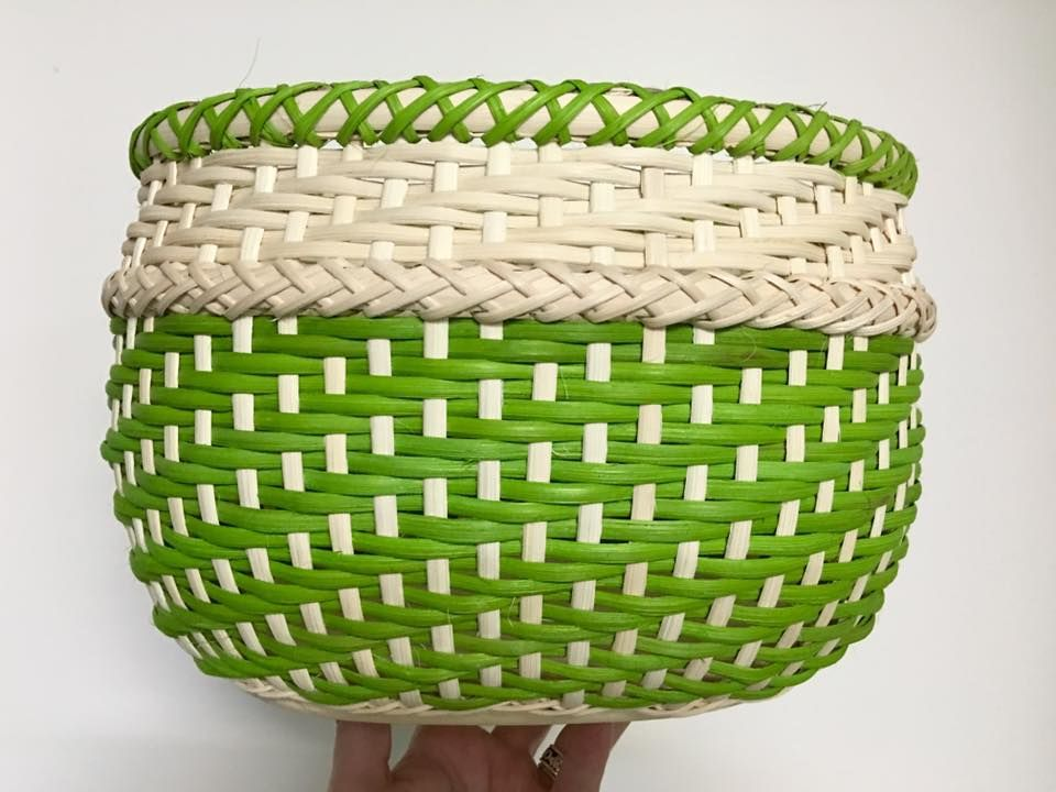 Really like this.....going to try and weave it..