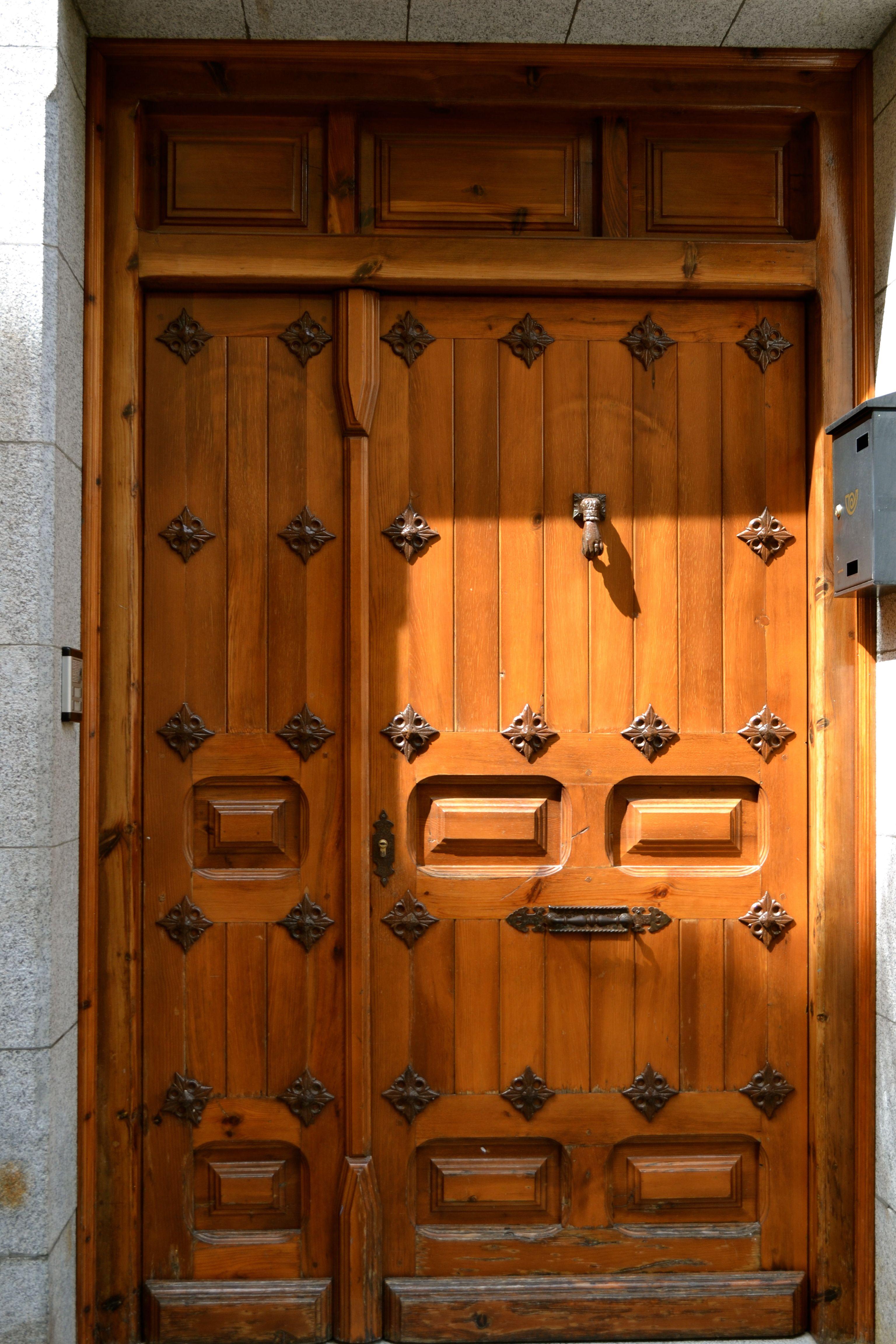 Door in Toledo.