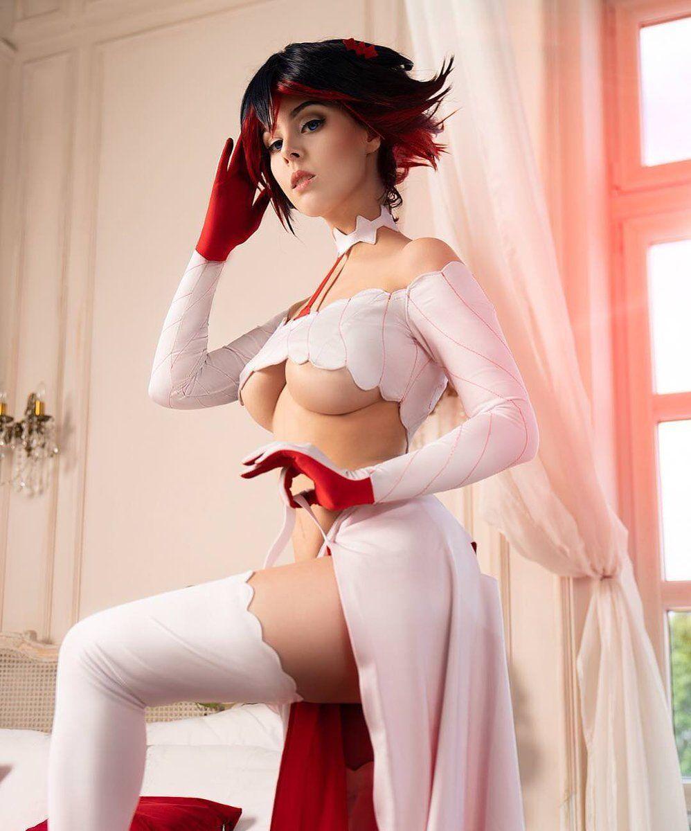 Cosplay women partially nude 1