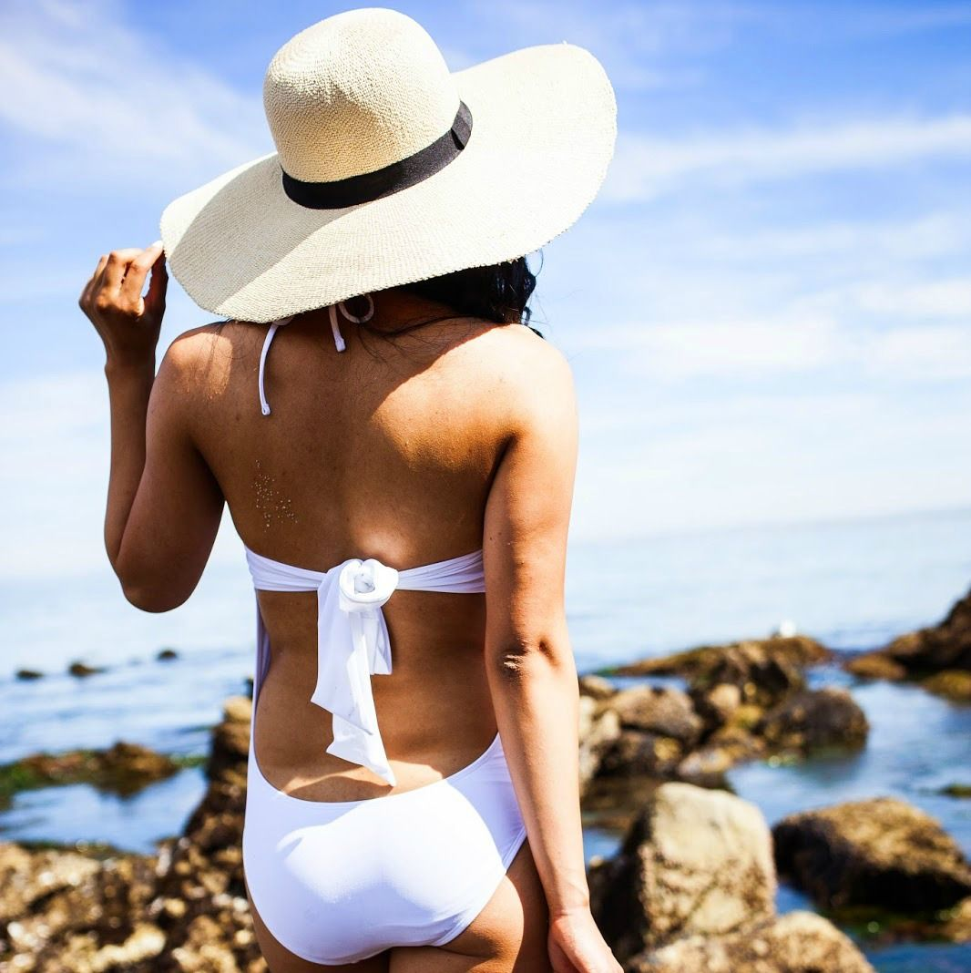 Allexis from Life of a Coyfish shows us how she styled our favorite Graphic One-Piece during her spring break in the golden state! #Aerie