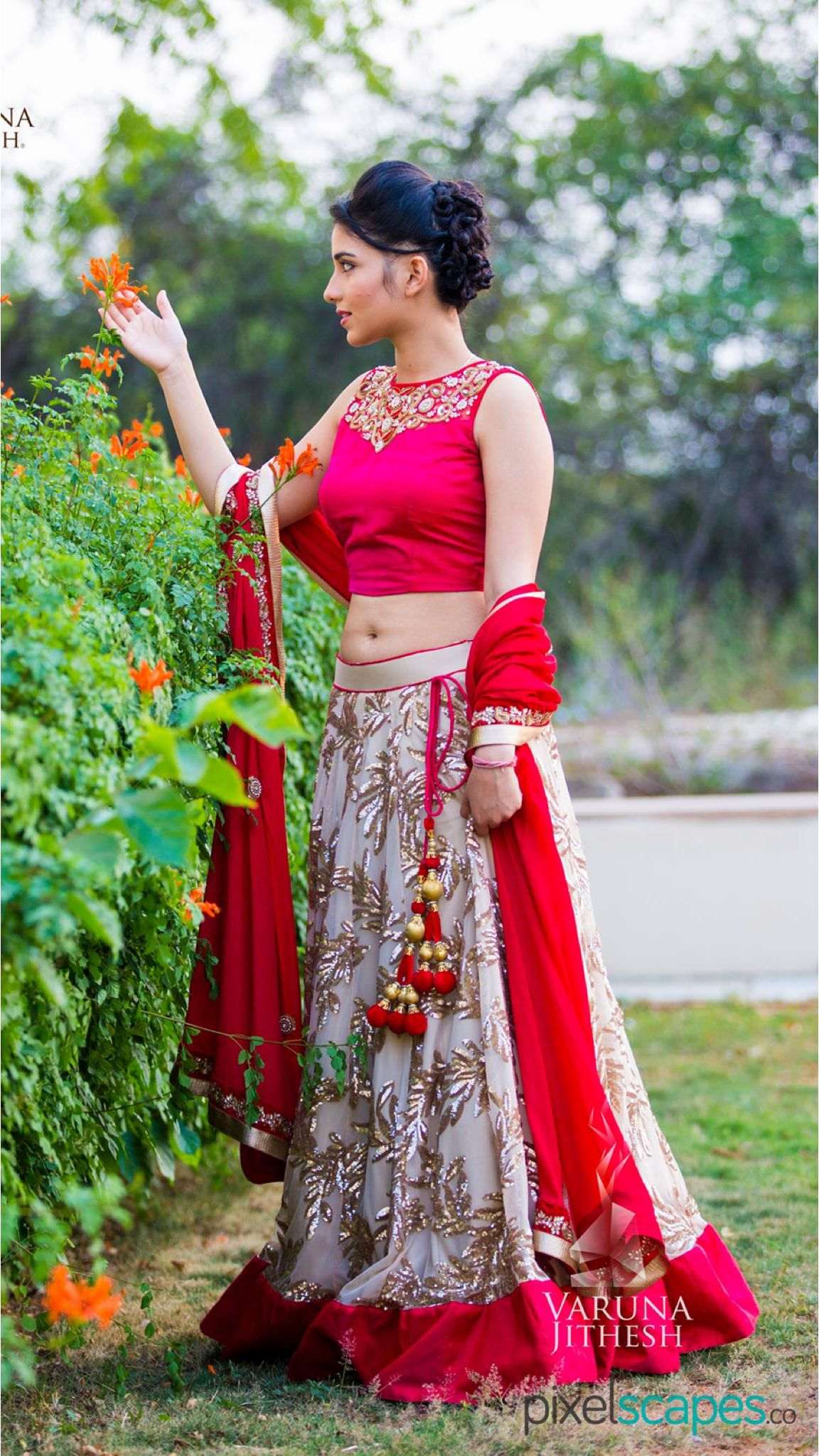 Wedding Lehenga In Hyderabad Indian Wedding Lehenga Bridal Lehenga Online Saree Poses
