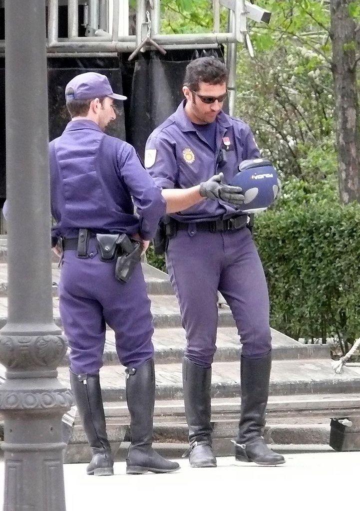 Policia Nacional Caballeria Cavalry Men In Uniform Spanish Men Hot Cops