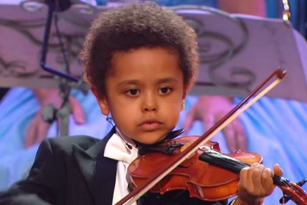 Top 10 Super Intelligent Child Prodigies Listsurge Violinist Violin Child Prodigy