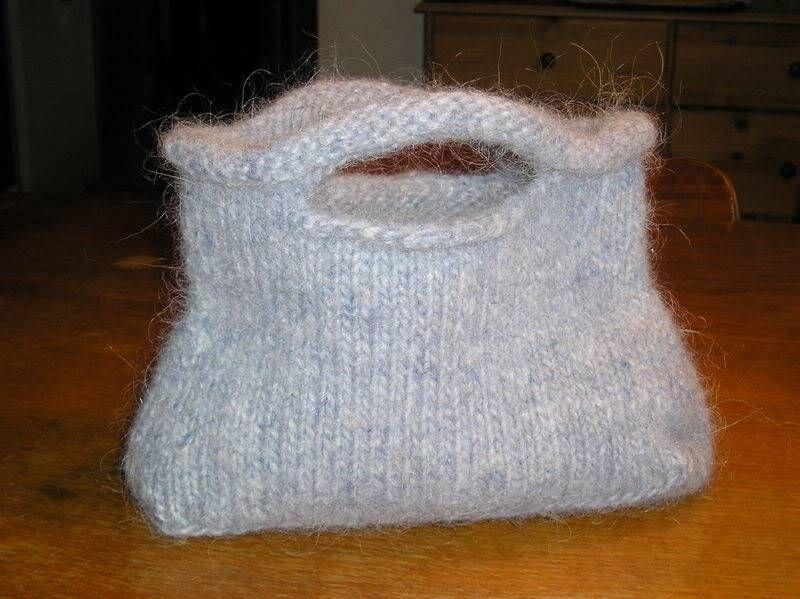 c442d9be461 Annette's Strik: Opskriften på strikket taske der valkes   Kreativ ...