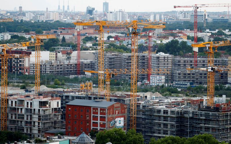 German industrial output falls, raising risk of recession