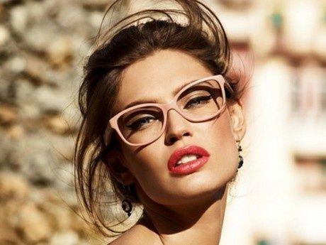 Você quer se maquiar mas acha que seus óculos atrapalham no look? Com essas…