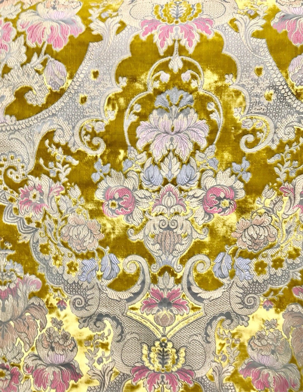 Swatch Made In Italy Burnout Damask Velvet Upholstery Versailles Fabric Yellow Fancy Styles Fabric Boutique In 2020 Velvet Upholstery Fabric Upholstry Fabric Damask