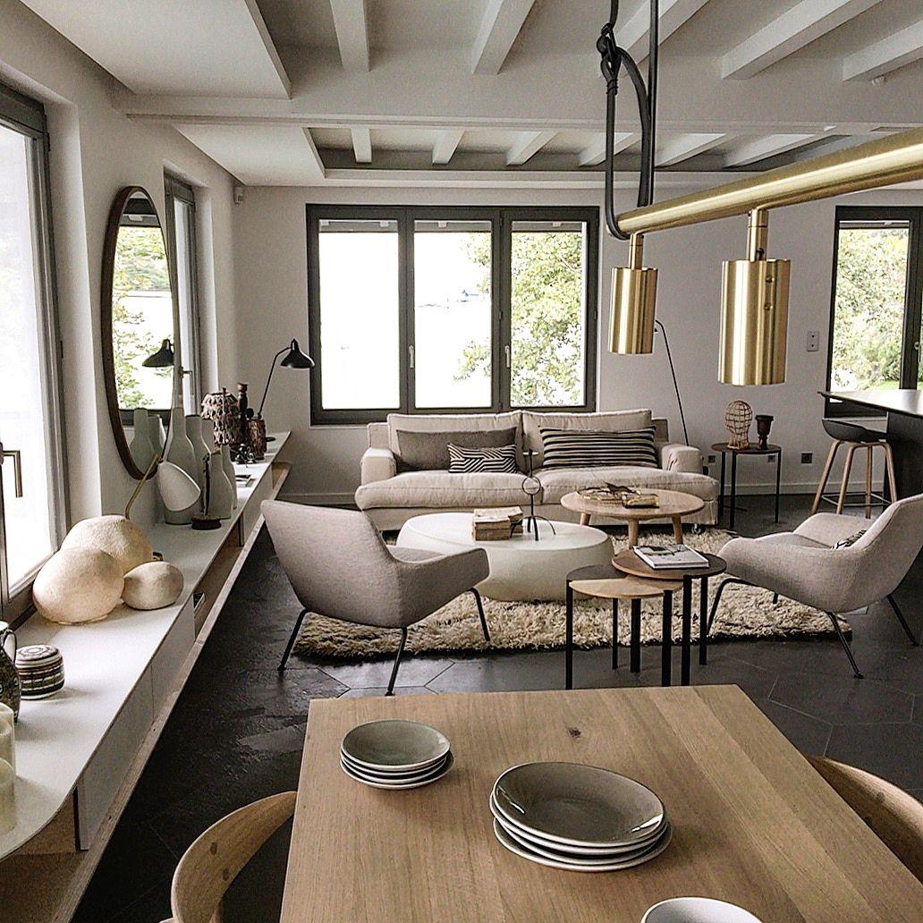 Sue Le Lac D Annecy Table Heerenhuis Canape Lema Fauteuils Living Divani Miroir Sarah Lavoine Deco Maison De Campagne Salon Maison Deco Maison