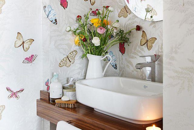 Cómo hacer aseos y baños mini ideales en espacios pequeños ...