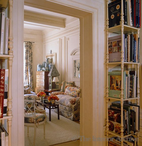 Whitehall Court In Killarney Johannesburg Is A Prized Address Built 75 Years Ago For Rand Film Magnate Iw Schlesinger It I Interior Home Apartment Interior