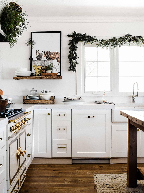 Farmhouse Christmas Decorating Ideas: Our Christmas Kitchen - Boxwood Ave