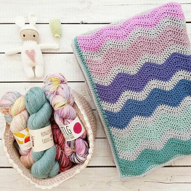 A few days ago @essiebirdies 💞 and @lcs_girl 💞 asked me to share my #3mostusedcrocheteditemsinthehouse and here they are! A cosy ripple blanket, a basket for yarn storage (I have a bigger one too because this is not all of my yarn stash obviously! 😊) and not so much used, but most seen is my valentine rabbit that lives on a shelf in our hall. Would you like to share your 3 things @elizyart_crochet and @muirandco? 😙😙