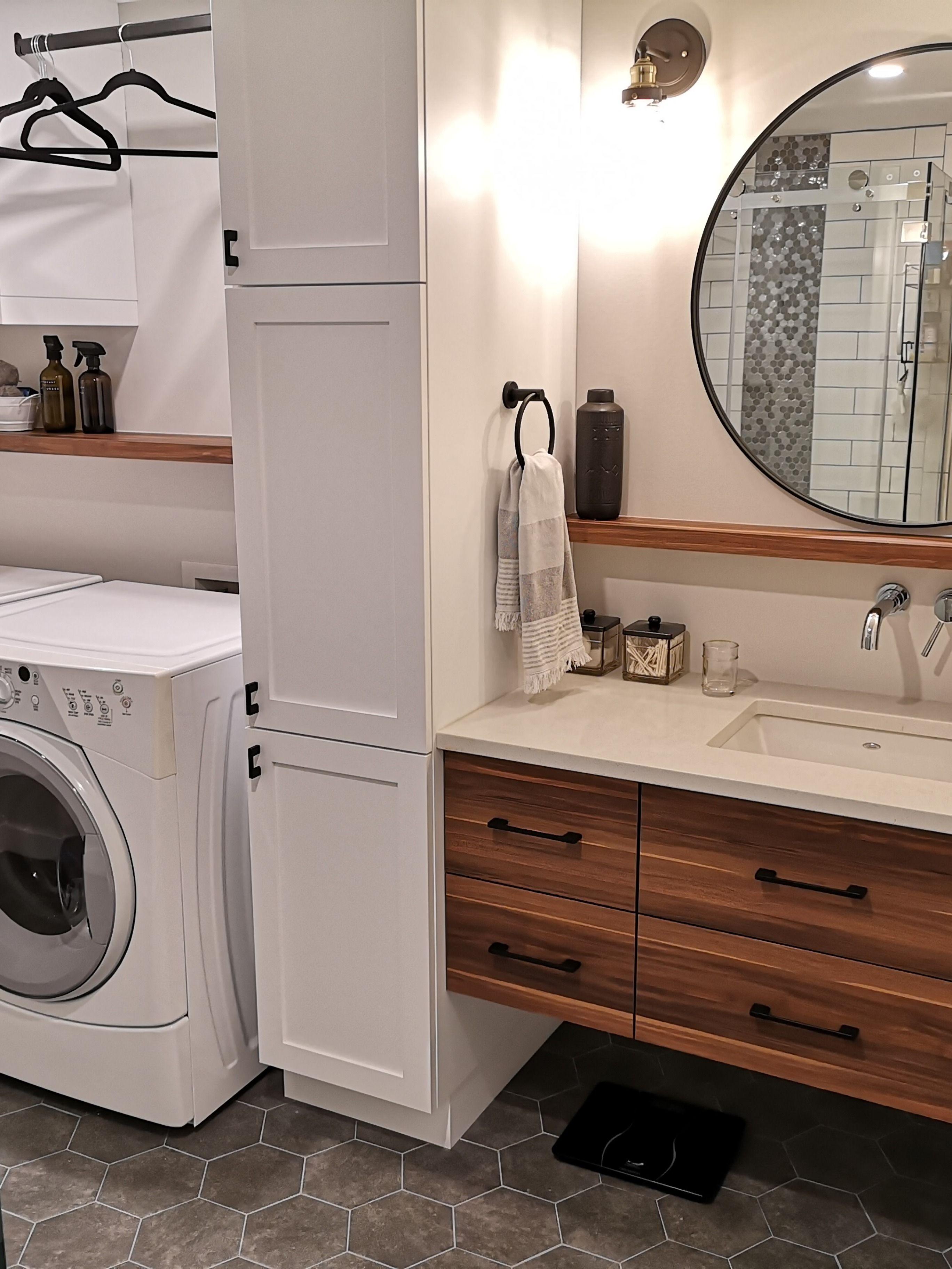 Salle de bain Rustique moderne avec salle de lavage