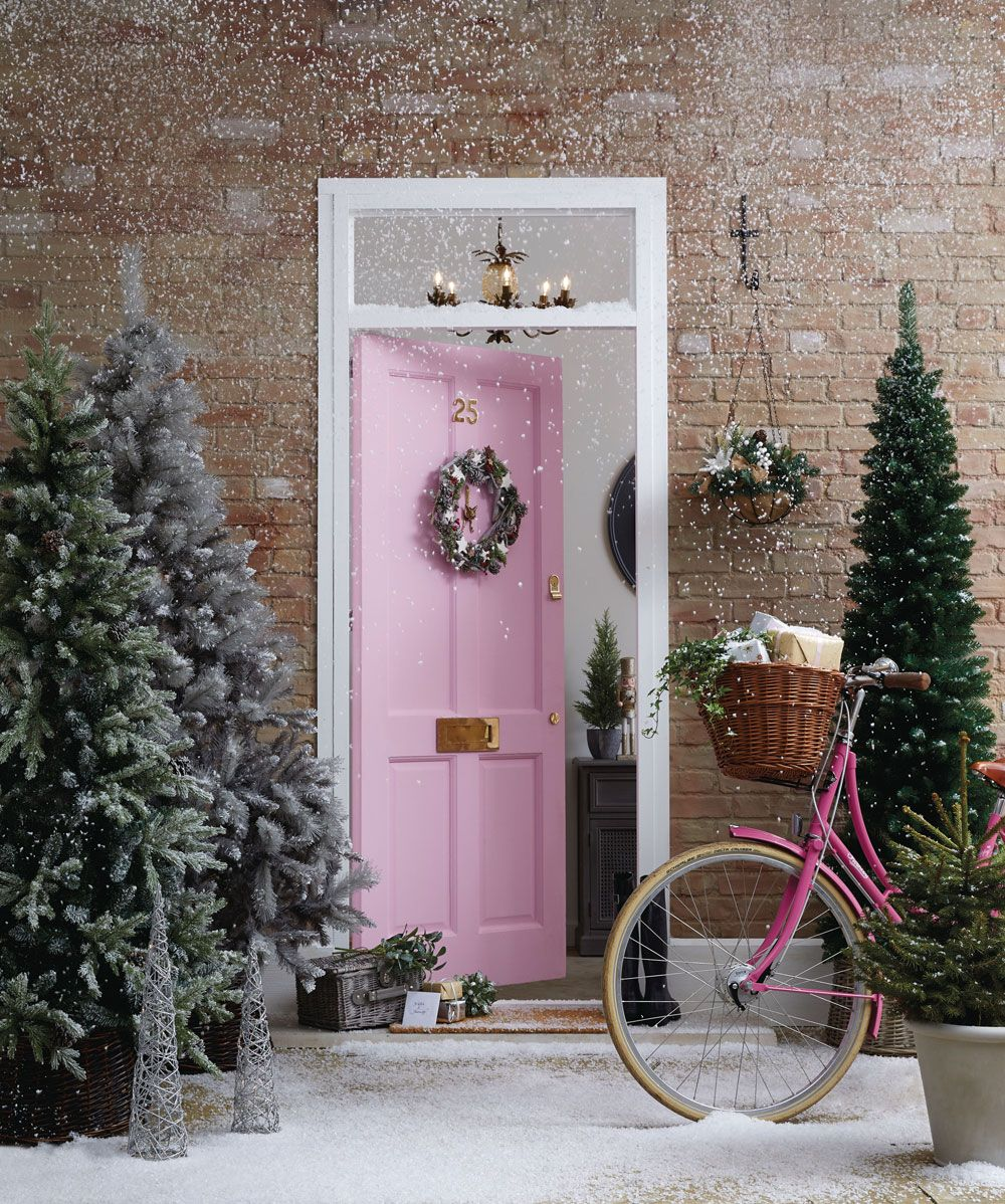 Best Places For Budget Christmas Decorations Christmas Time