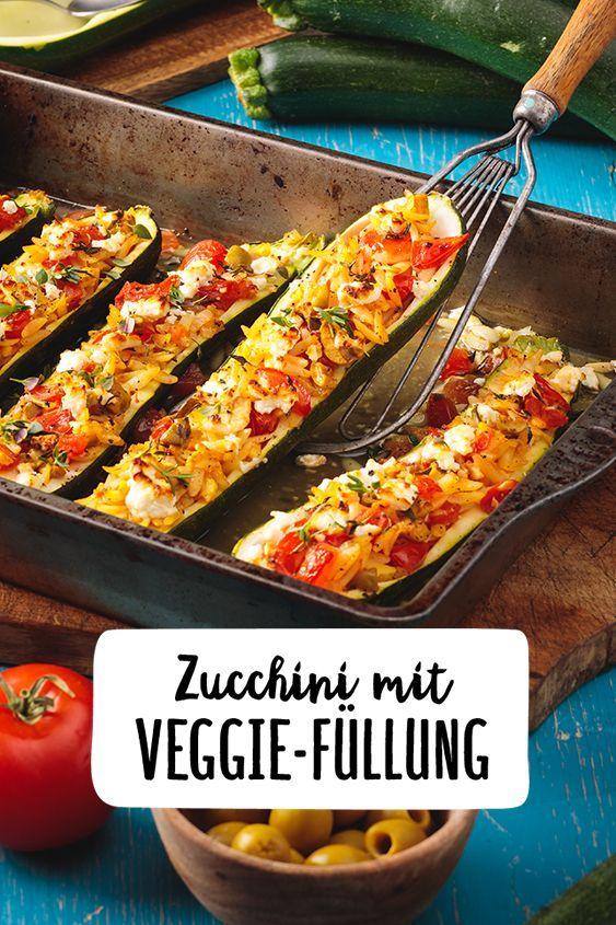 Zucchini mit Gemüsefüllung   – Vegetarische Low Carb Rezepte