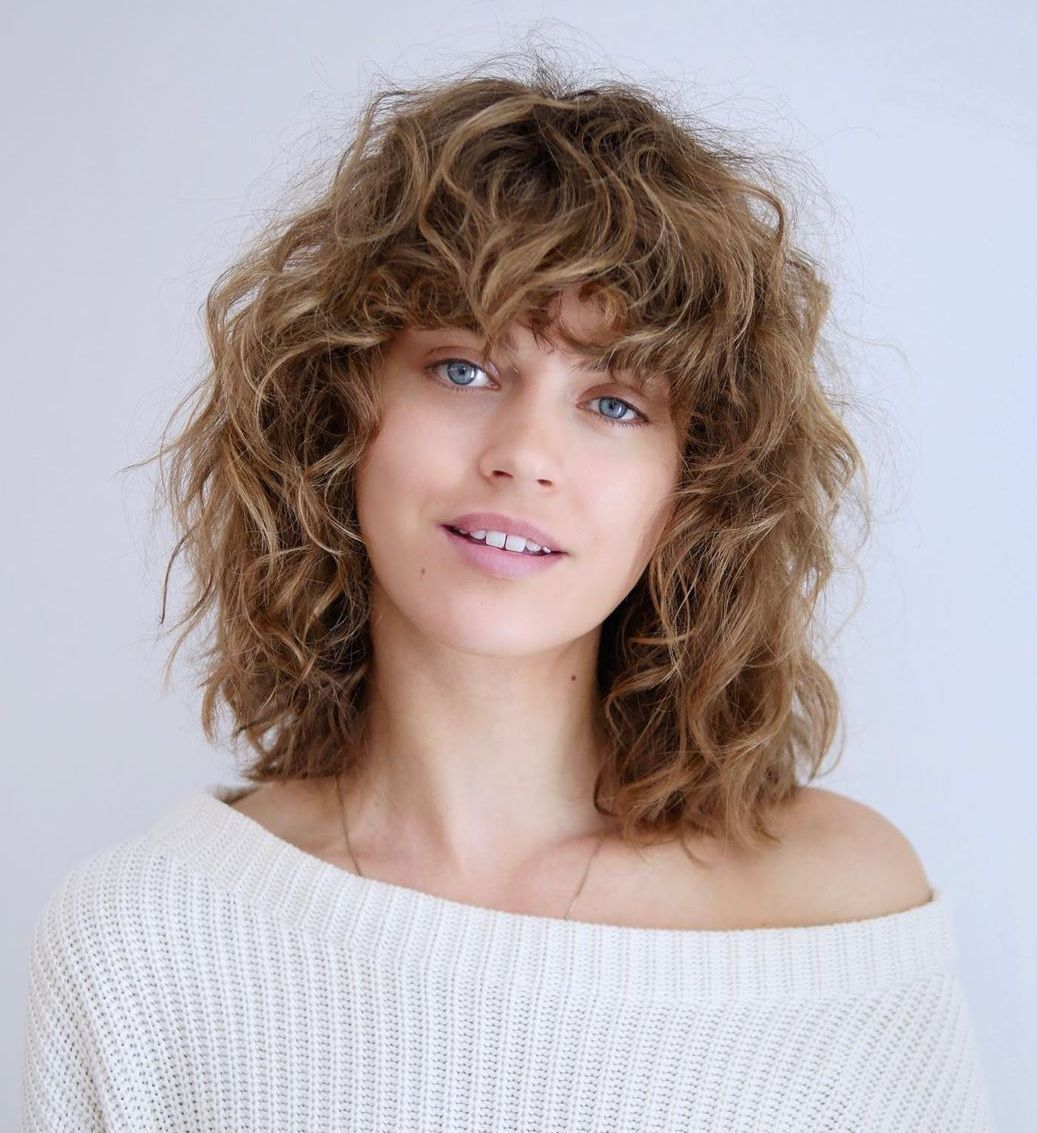 50 Most Trendy And Flattering Bangs For Round Faces In 2021 Hadviser Bangs For Round Face Curly Hair Styles Hairstyles With Bangs