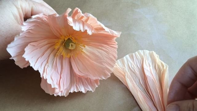 Paper flowers 101 how to make paper flower stamens oheverything paper flowers 101 how to make paper flower stamens oheverything mightylinksfo