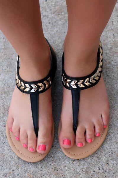 Yet to Come Sandal - Black | UOIonline.com: Women's Clothing Boutique