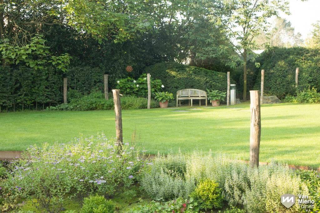 Landelijke tuin met stoer paviljoen van mierlo tuinen tuinen