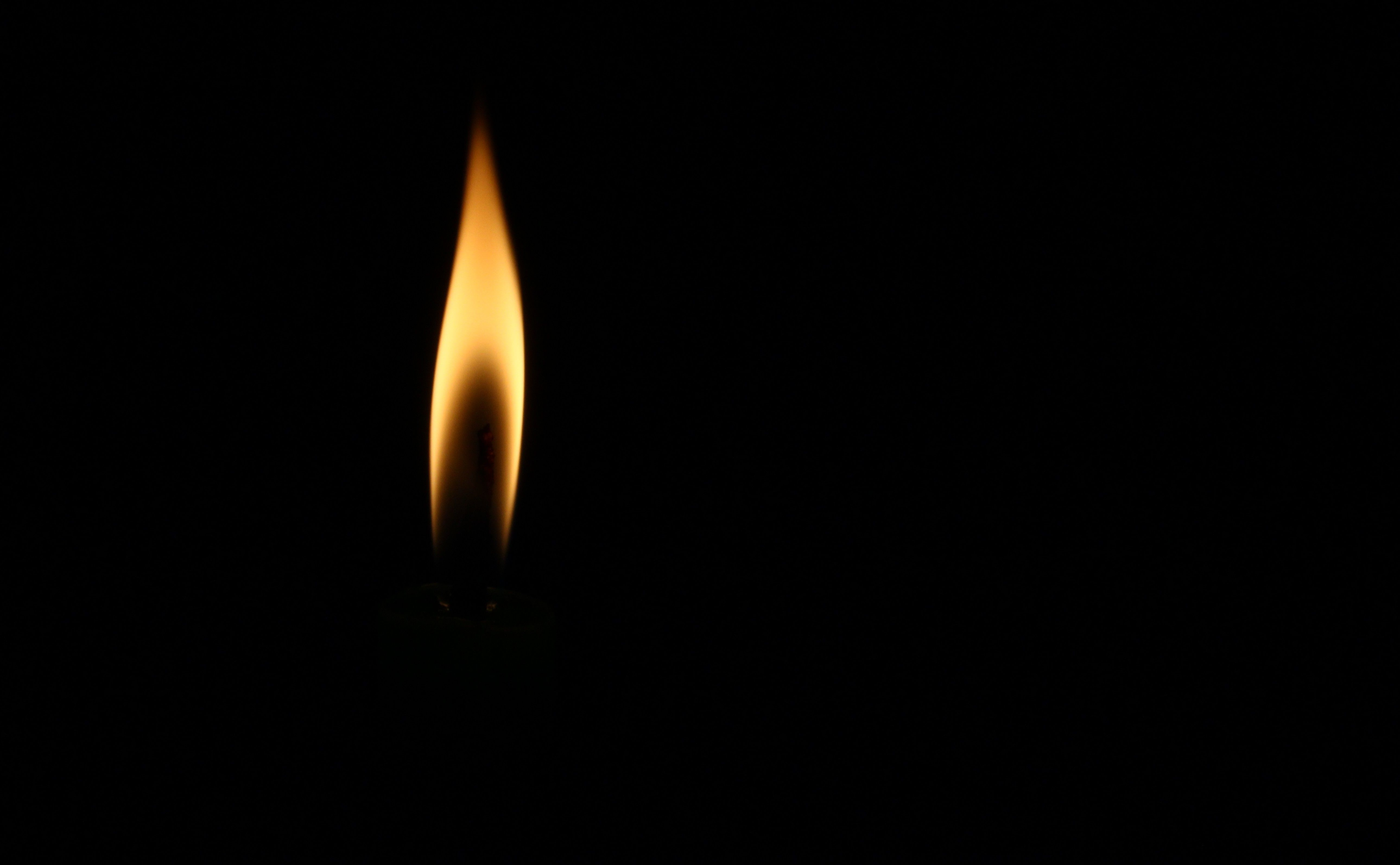 Анимация пламя свечи на прозрачном фоне
